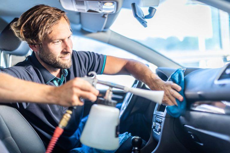Innenraumreinigung fürs Auto